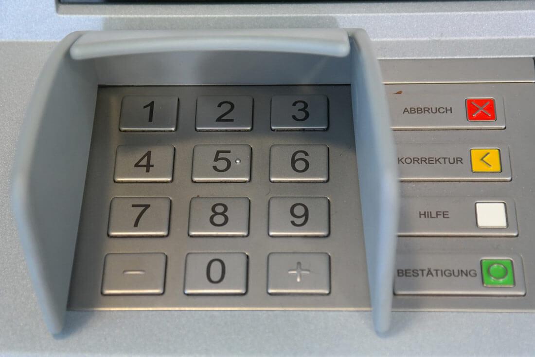 PIN Pad am Geldautomat. Bild: pixabay