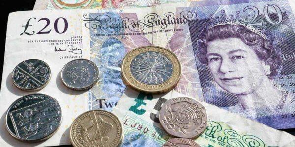 Smartes Banking in Großbritannien und der Schweiz